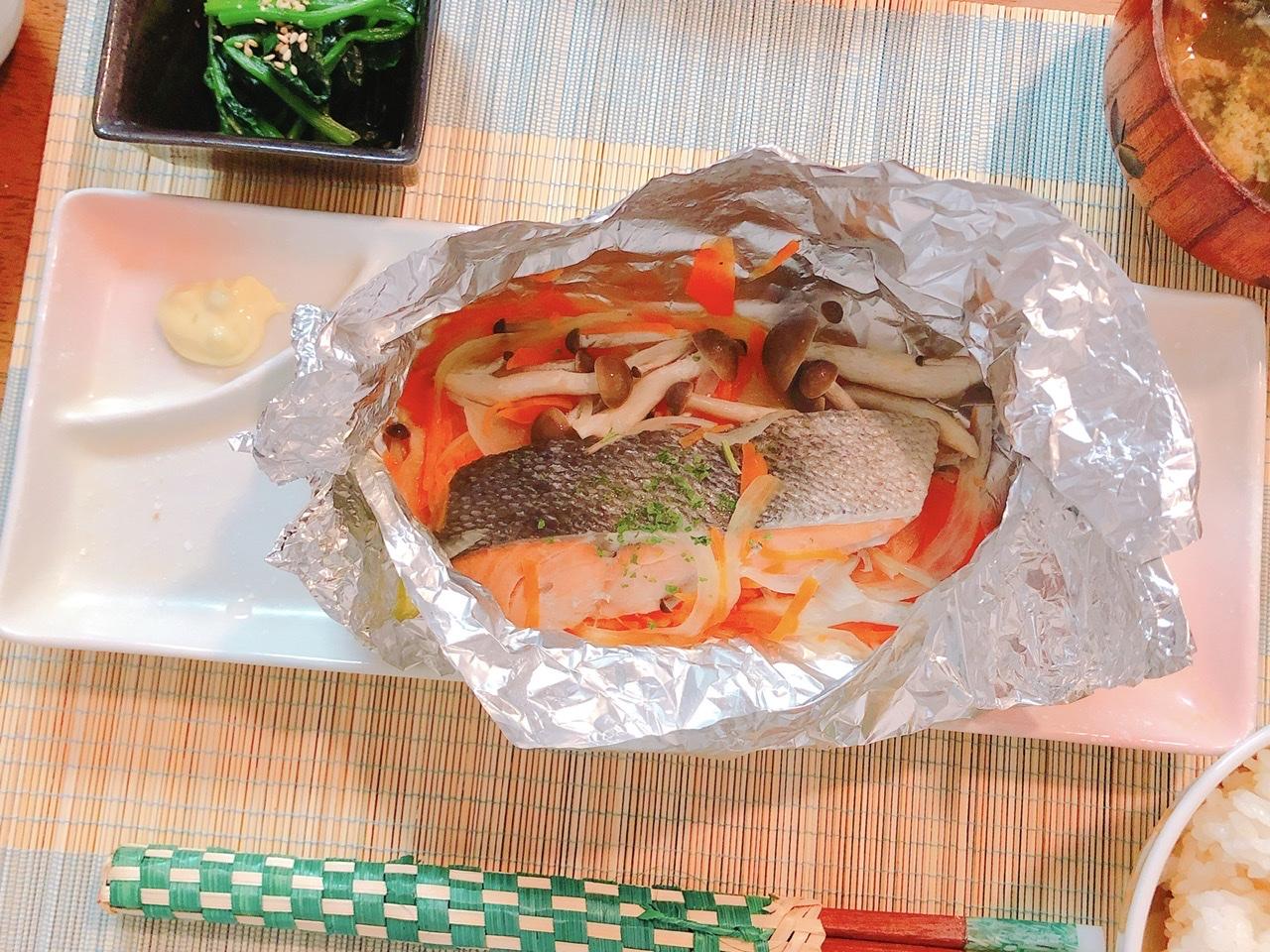 「【衛宮さんちの今日のごはん】鮭ときのこのバターホイル焼きを作る!」のアイキャッチ画像